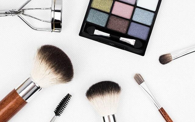 Como preparar a pele do rosto para a maquiagem