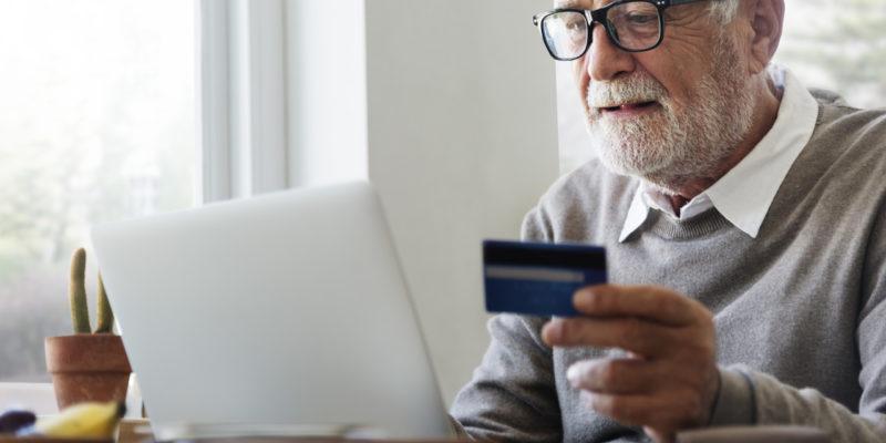Como reduzir custos na venda com maquininha de cartão de crédito na sua loja