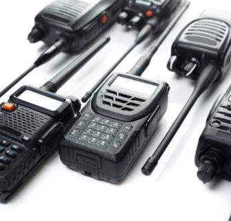 Quem criou os rádios comunicadores