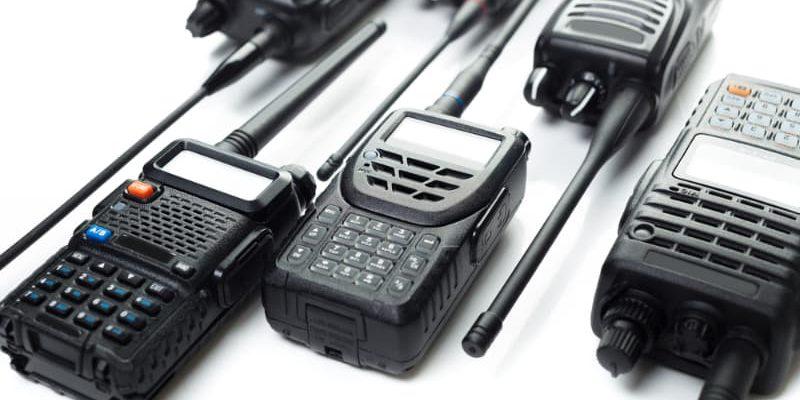 Quem criou os rádios comunicadores?