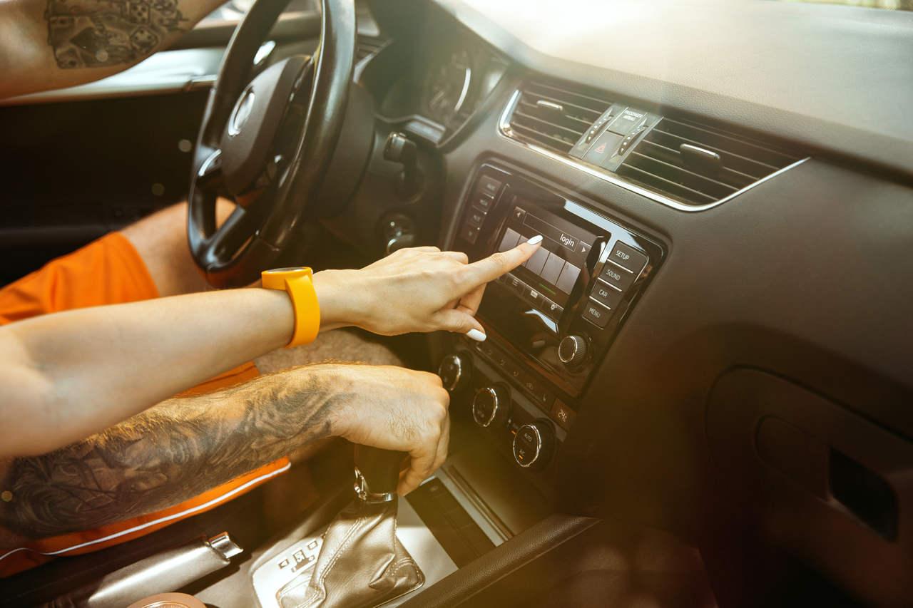 Rastreador veicular: 3 vantagens de contratar um rastreador veicular
