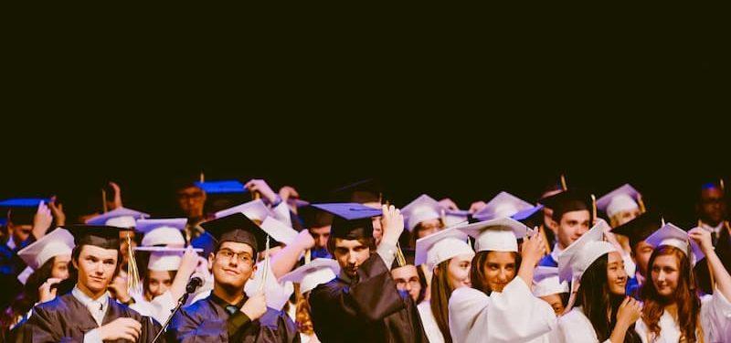 Bolsas de estudo para faculdade: é possível para todos os cursos