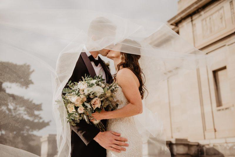 Casamento ao ar livre: entenda se vale a pena