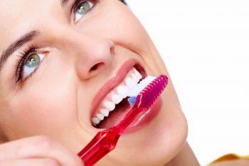 5 Hábitos que deve adotar para uma saúde bucal impecável