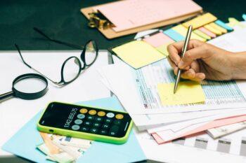Como começar a estudar finanças: 4 formas de ter sucesso