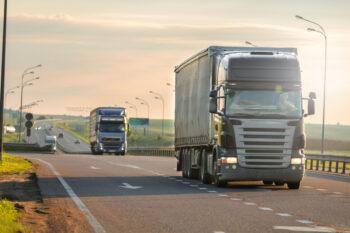 Como deve ser a jornada de trabalho de um motorista de cargas?